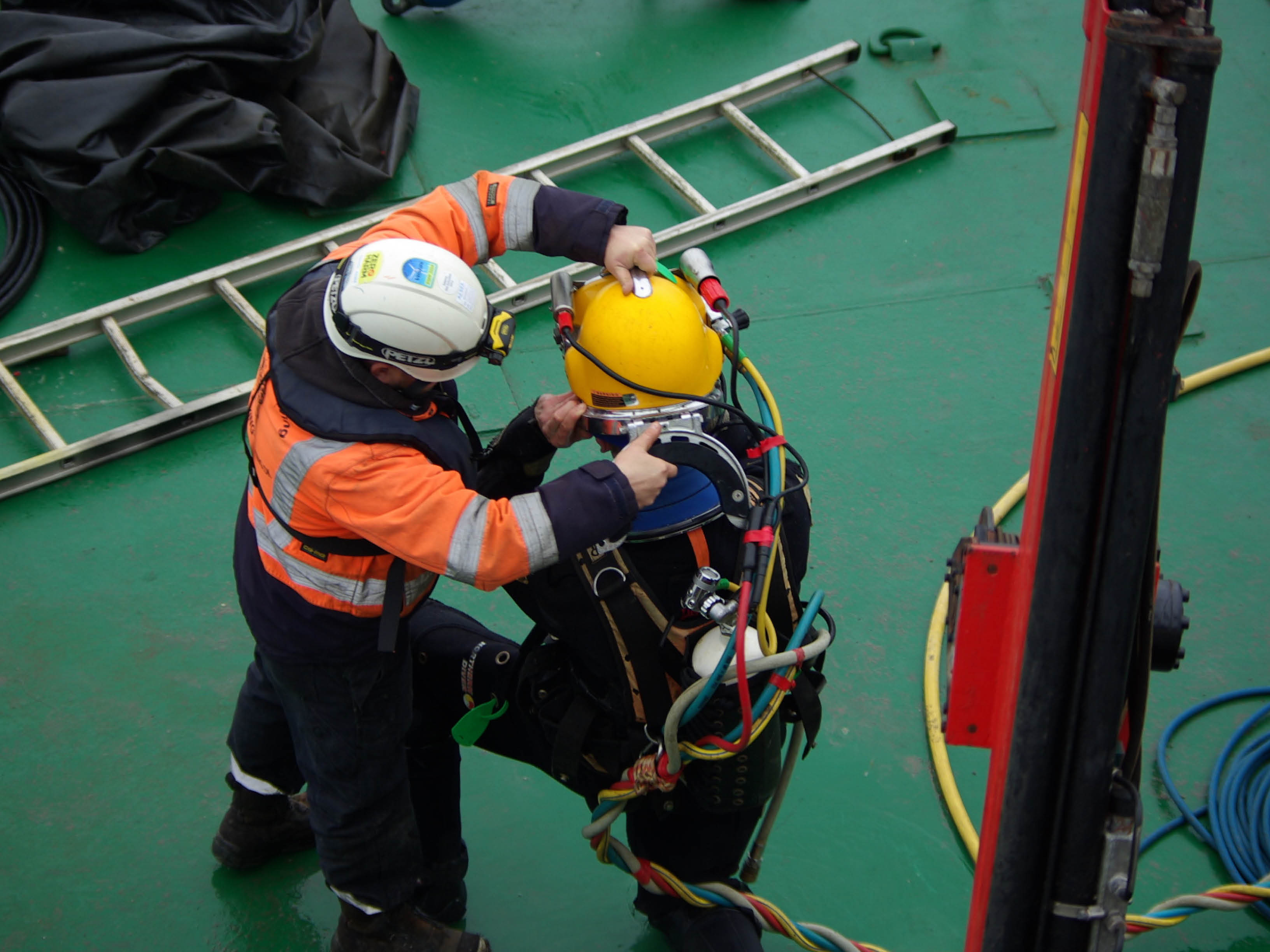 HSE-Q diving equipment in use